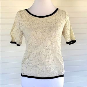 Lace blouse Forever 21 Size Medium